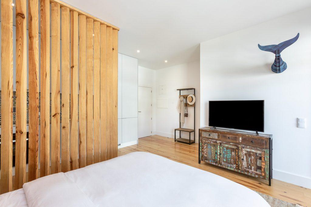 apartamento t0 quarto com televisao