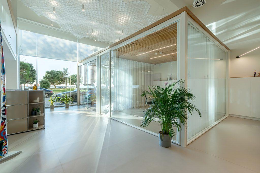 entrada de escritorio em vidro