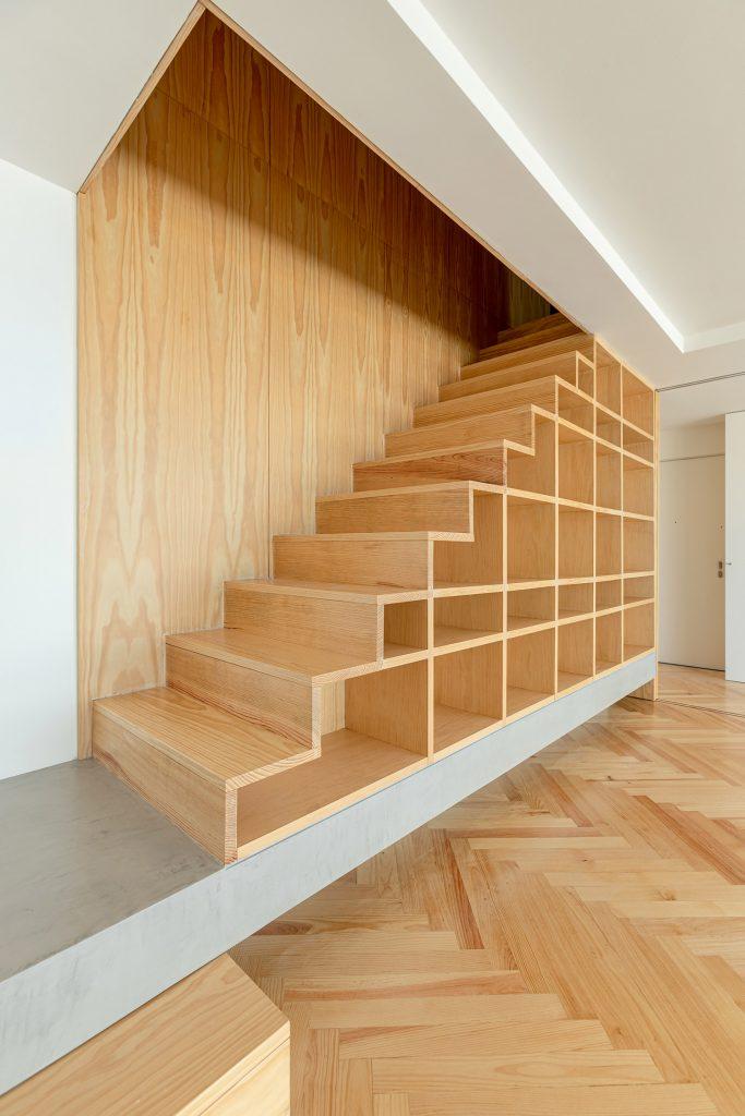 escada com movel embutido