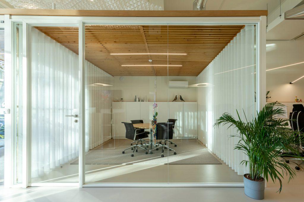 gabinete de reunioes em vidro