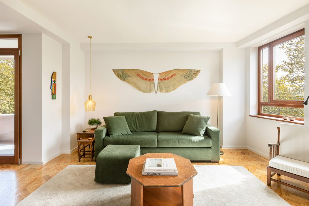 sala de estar com mobilia vintage